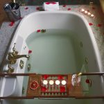 Aromatherapy-bath-tub
