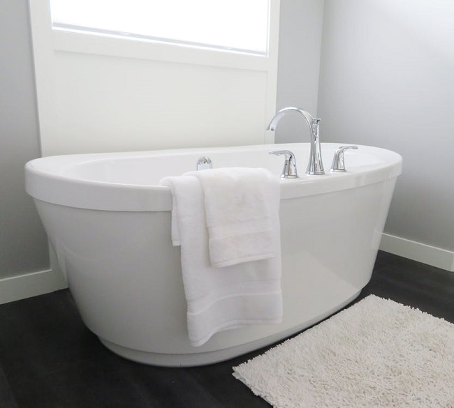Four Styles Corner Walk-in Tubs Installation Prices Reviewed