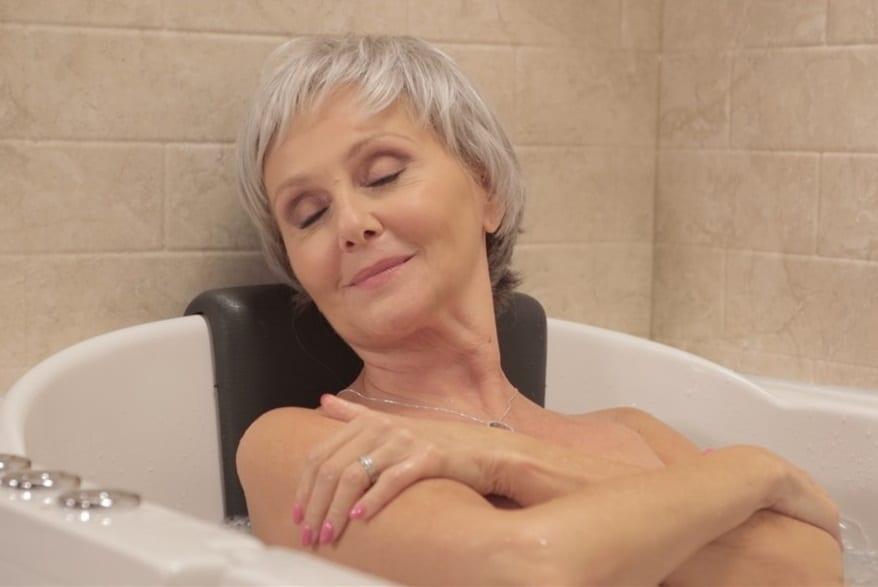 luxurious-senior-bathing